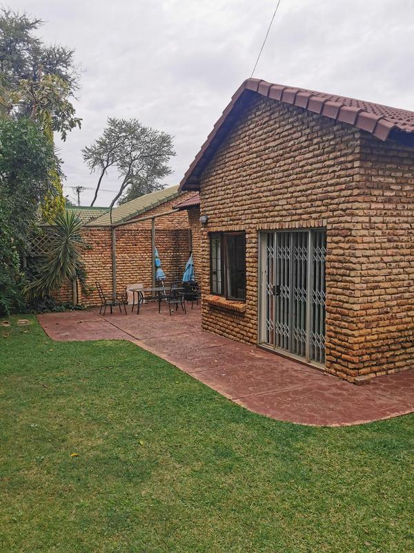 Duet For Sale in Menlopark, Pretoria