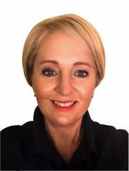 Wilma Knoetze, estate agent